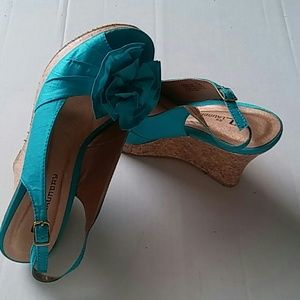 CL by Laundry Shoes - CL by Laundry Azure Peep hole Wedges sz 7-1/2 M